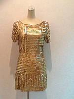 Короткое золотое платье в пайетках молодежное