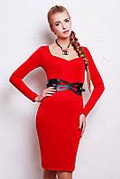 Элегантное платье красного цвета с длинным рукавом