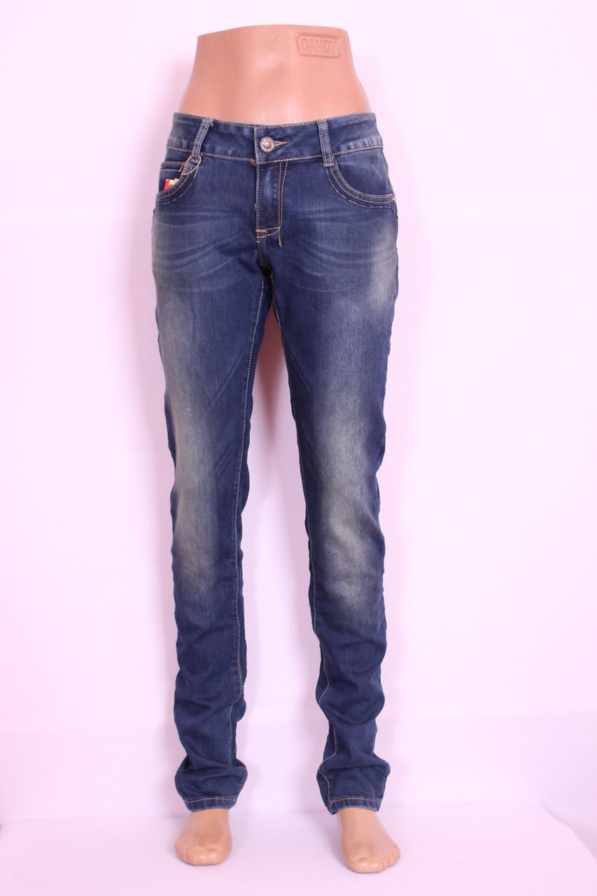 Недорогие женские джинсы