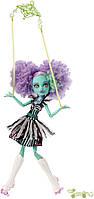 Кукла  Монстер Хай Ханни Свомп Монстро-цирк, Monster High Freak du Chic Honey Swamp