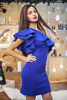 Женское платье на одно плечо с воланом