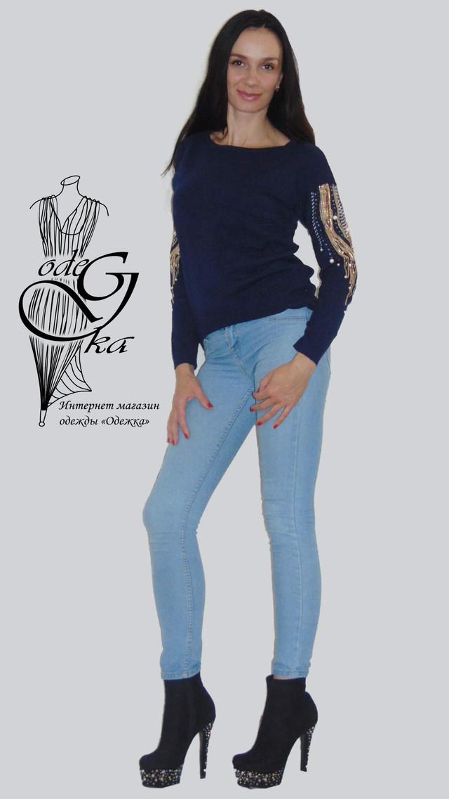 Фото-1 Женских свитеров оптом и в розницу с роскошной вышивкой на рукавах Линда SvLd0541
