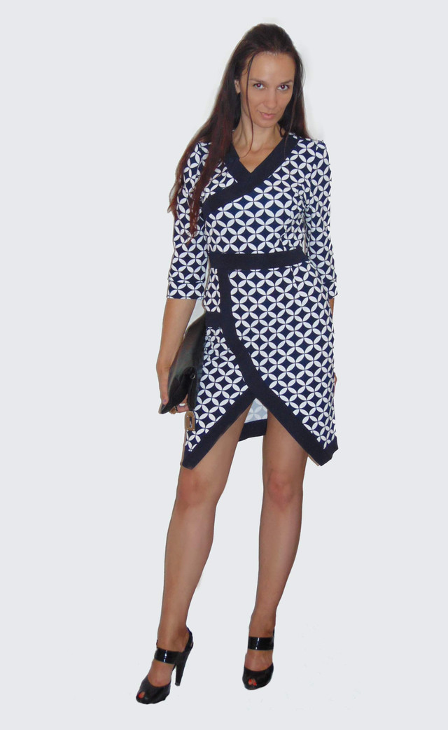 Фото-1 Облегающего платья с рукавом 3/4 Руслана PlRlN346