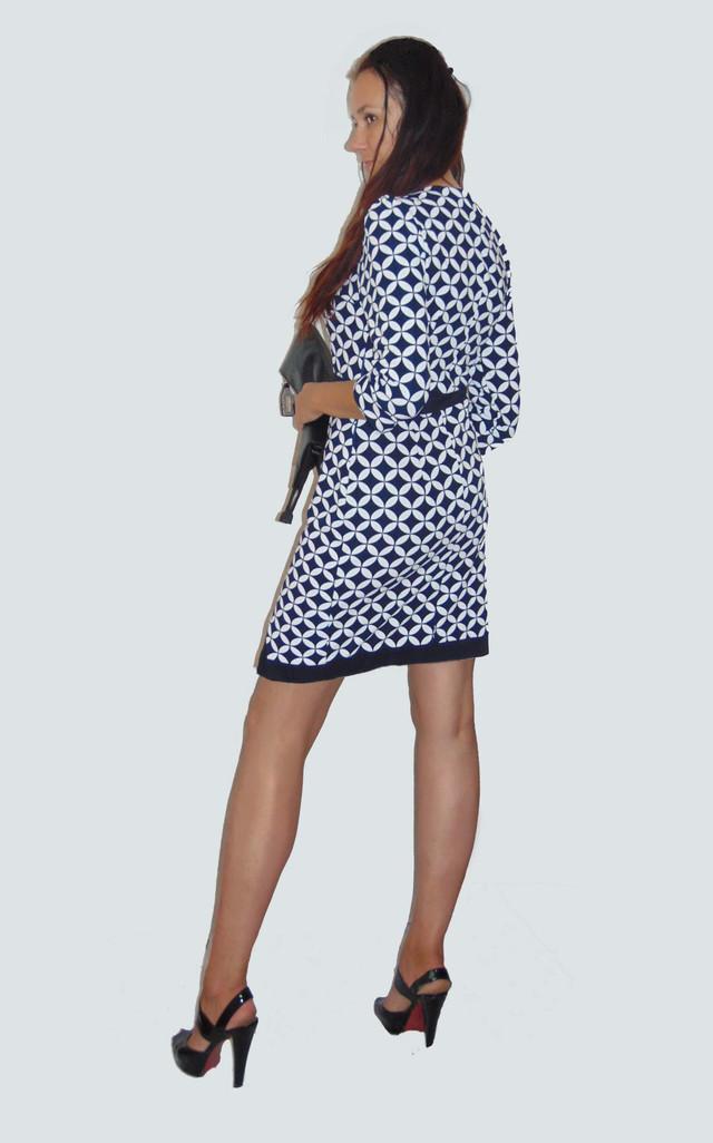 Фото-2 Облегающего платья с рукавом 3/4 Руслана PlRlN346