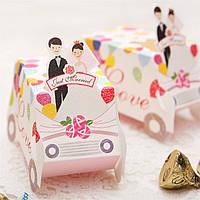 Оригинальные свадебные бонбоньерки в виде машинки