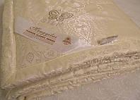 Шелковое одеяло 200х220 в жаккардовом чехле GoldenTex OD-470 бежевое