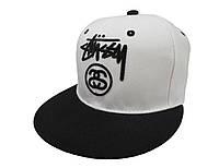 Белая кепка Stussy