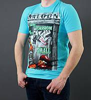 Яркая футболка с оригинальным принтом