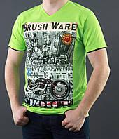 Зеленая футболка с рисунком