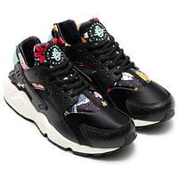 Женские кроссовки Nike Huarache черно-белые
