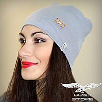 Женская шапка серая с украшением
