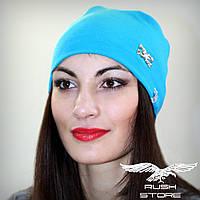Женская шапка голубая с украшением