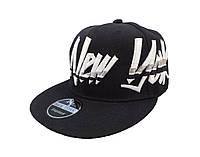 Кепка Snapback New York черная с разноцветным логотипом