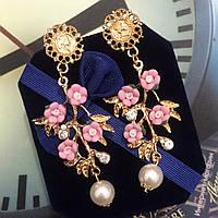 """Шикарные серьги """"Женевьева"""" с розовыми цветами."""