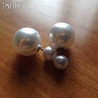 Сережки пуссеты (матрешки, двойной шарик, диор) Mise en Dior жемчуг белый