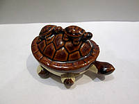 Небольшой подарок к празднику - статуэтка из фарфора  Черепаха