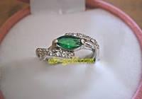 Серебряное кольцо с цирконием.