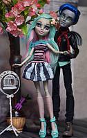 Набор кукол монстр хай Прогулка по Скарижу Гаррот Дюрок и Рошель Гойл Monster High Love in Scaris