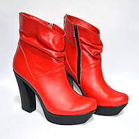 Ботинки на каблуке красные кожаные женские. В наличии 39 размер