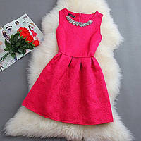 Женское красивое платье с украшением,в расцветках