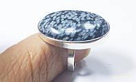 Кольцо серебряное  с обсидианом снежным