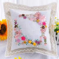 """Вышивка лентами подушки """"Отображение цветов"""""""