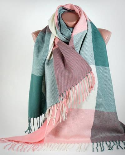 Нежный широкий мягкий полушерстяной шарф Traum 2493-61