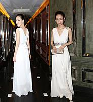Вечернее платье. Шифоновое платье, украшенное камнями под грудью и на одном плече.