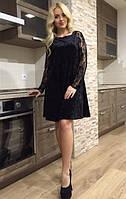 Велюровое платье с гипюром