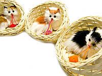 Сувенир Кошка в корзине (мяукает)