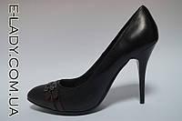 Черные туфли лодочки туфли на шпильке