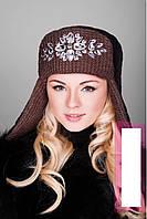 Вязанная шапка-ушанка с декором из камней