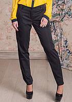 Классические черные брюки зауженные к низу с карманами спереди