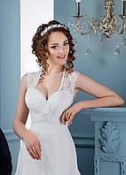 Восхитительное свадебное платье с изумительным декольте и шикарным круглим вырезом на спинке