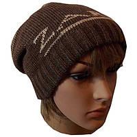 Вязаная женская шапка-носок с аппликацией