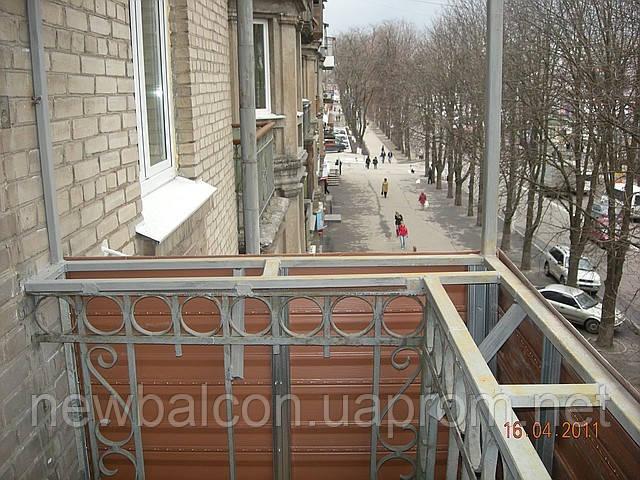 Купить уголки для выноса балконного остекления..