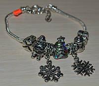 браслет Новогодний с бусинами в стиле Пандора.