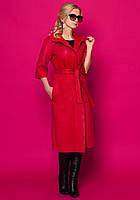 Женское пальто-кардиган красного цвета с рукавом три четверти, под пояс.
