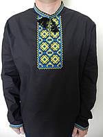 Черная мужская красивая вышитая рубашка.