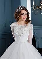 Роскошное свадебное платье на длинный рукав, богато расшитое бисером и натуральным камнем