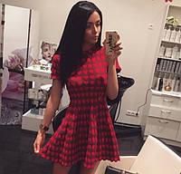 Платье в сердечки с коротким рукавом