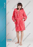Женский короткий халат софт-махра, на запах, с карманами.