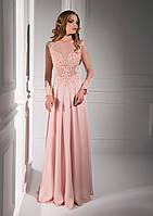 Нежное вечернее платье с богатой вышивкой и изысканной аппликацией