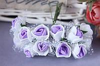 Букетик розочек около 2 см диаметр с фатином 12 шт. белого цвета с фиолетовой серединкой на стебле