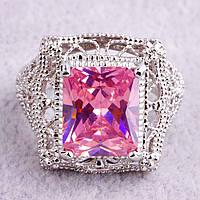 Кольцо-перстень розовый топаз