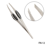 Пинцет для бровей FN-12 скошенный с черными вставками,