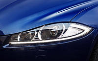 Оригинальные ксеноновые LED фары на Jaguar XF 2011