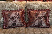 """Диванная подушка """"Выбор королевы"""""""