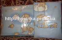 """Бортики и комплект постельки в детскую кроватку -""""Голубые мишки на лестнице"""".Цвета в ассортименте"""