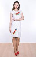 Стильное платье-вышиванка с маками